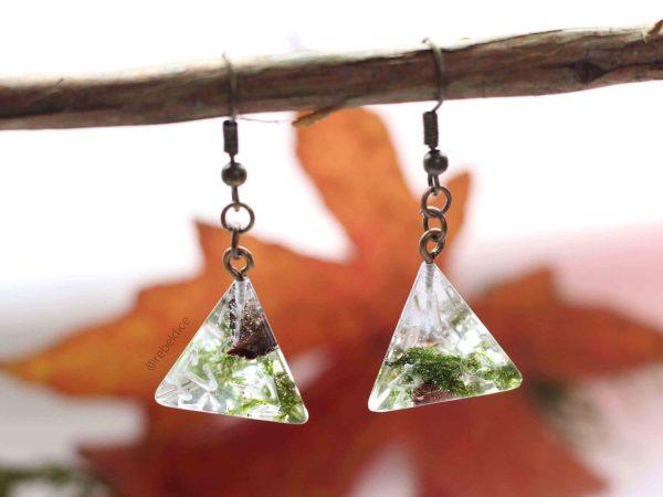 Irish Glen D4 handmade simple dice earrings